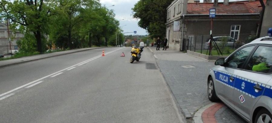 Dramatyczny wypadek! Motocyklista stracił nogę… znieczulica świadków zdarzenia (VIDEO, FOTO)