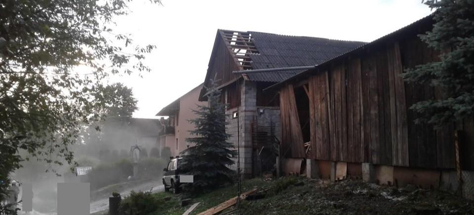 Nawałnica w powiecie brzozowskim. Kilka domów bez dachu (ZDJĘCIA)