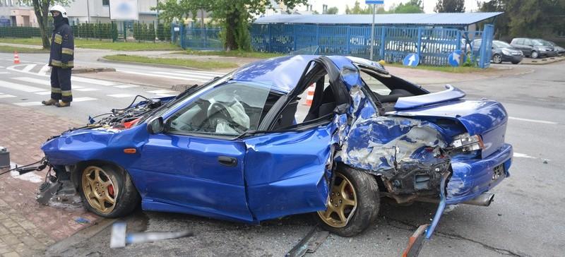 PODKARPACIE. Pijany kierowca wjechał w ogrodzenie (ZDJĘCIA)