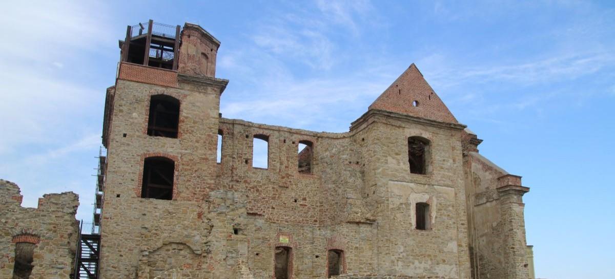 Zagórz buduje Centrum Kultury w ruinach klasztoru. Będzie kawiarnia, sala konferencyjna, sklep z pamiątkami (FILM, ZDJĘCIA)