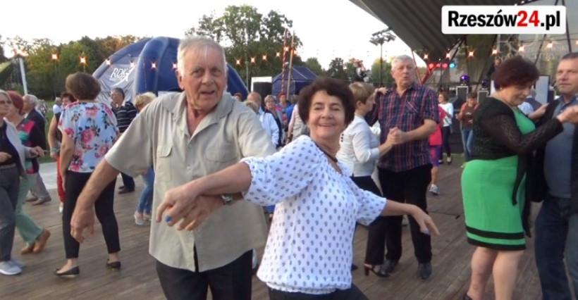 RZESZÓW. Wracają Potańcówki Miejskie dla Seniorów!