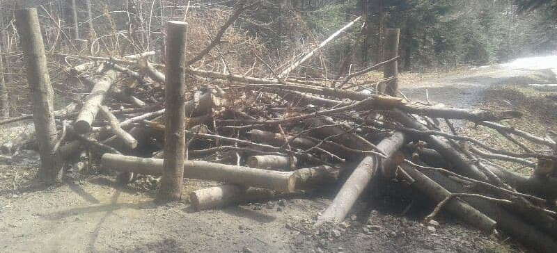 Chuligani w Bieszczadach! Zatkany przepust, spore zniszczenia (ZDJĘCIA)