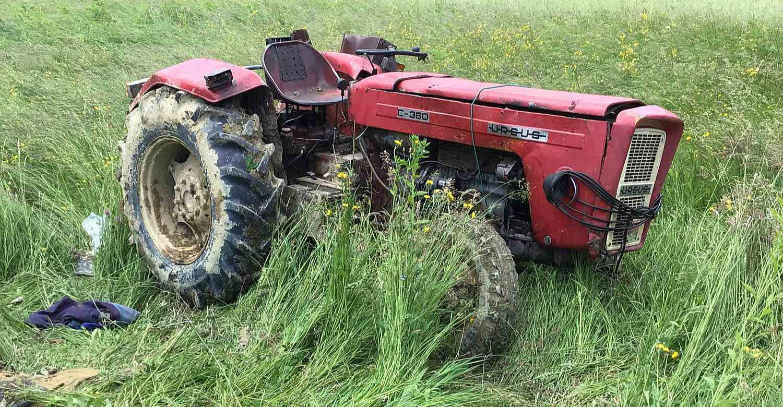 PODKARPACIE. Nie żyje młody mężczyzna przygnieciony przez traktor (ZDJĘCIA)