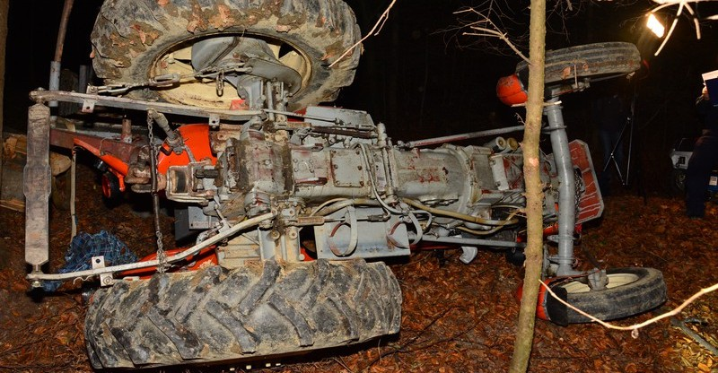 36-latek zginął przygnieciony przez ciągnik (FOTO)