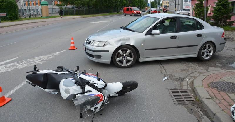 Wymusił pierwszeństwo. 16-letni motocyklista w szpitalu (ZDJĘCIA)