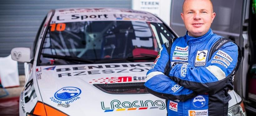 Rzeszowianin mistrzem Polski w górskich wyścigach samochodowych!