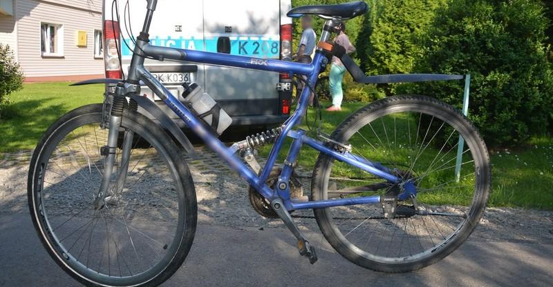 Zderzenie dwóch… rowerzystów. 11-latek  z poważnymi obrażeniami trafił do szpitala