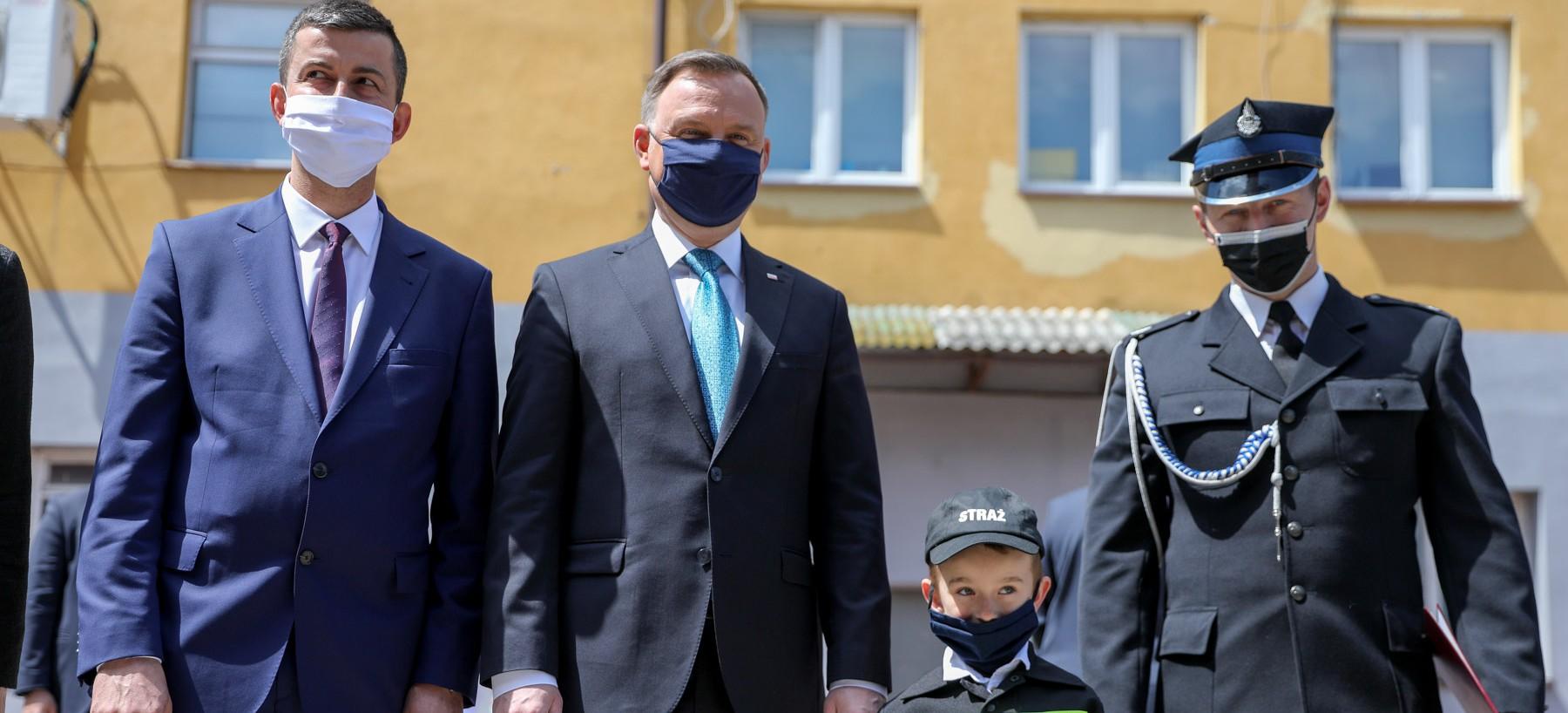 Prezydent w Bukowsku spotkał się ze strażakami