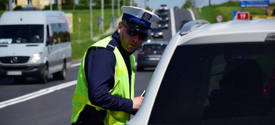 45 pijanych kierowców, 40 zabranych praw jazdy