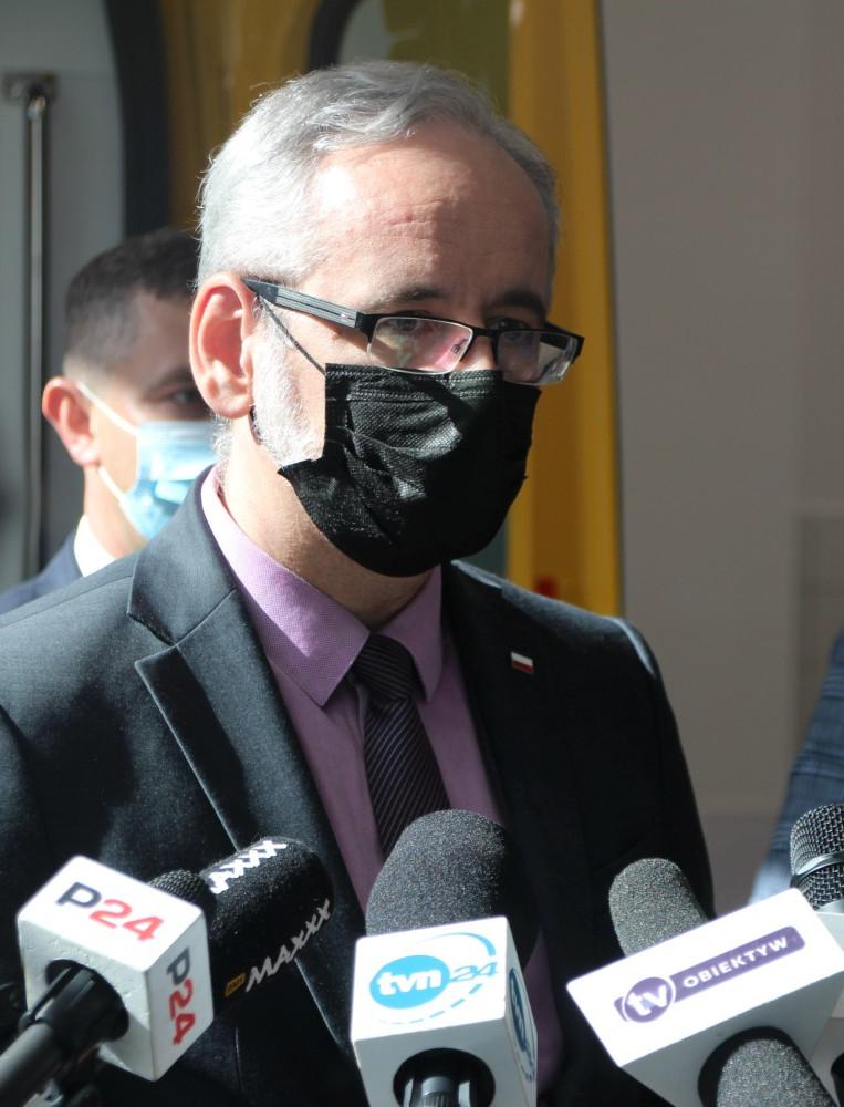 SANOK. Minister zdrowia o zakażonym pacjencie, który trafił do szpitala. Będą obostrzenia? (VIDEO, ZDJĘCIA)