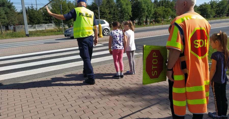 Bezpieczeństwo na drodze – droga do szkoły z pierwszoklasistą