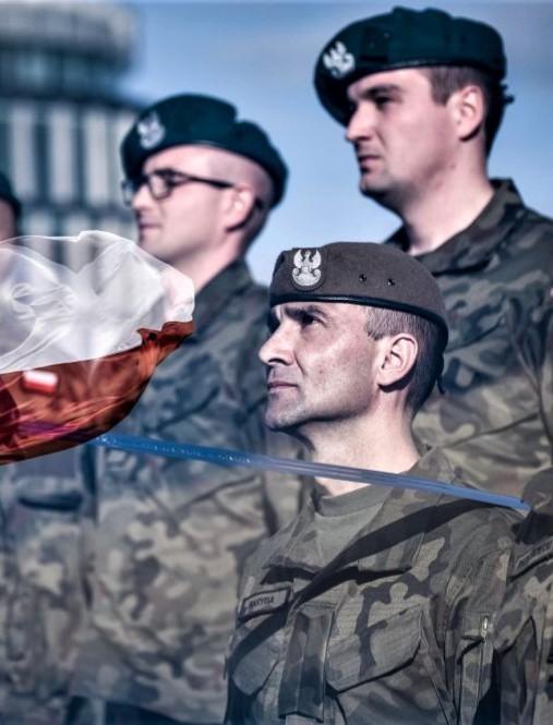 """Pierwsza promocja oficerska podkarpackich Terytorialsów, absolwentów kursu """"Agrykola"""" (FOTO)"""
