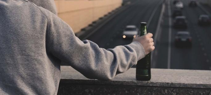Jechał pijany, bez prawa jazdy i aktualnej polisy OC