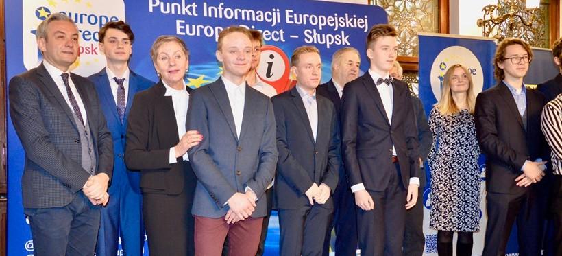 Uczniowie z Podkarpacia na podium Ogólnopolskiej Olimpiady Wiedzy o UE