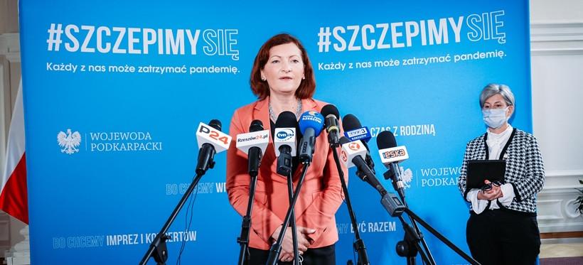 Wojewoda: Od 1 września wraca nauka stacjonarna (FOTO)