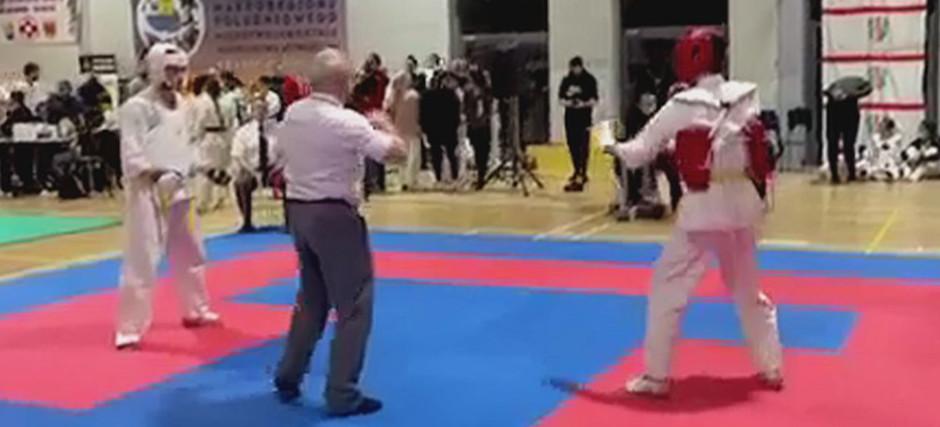 Medale Sanockiego Klubu Karate. Efektowna walka Norberta Starejki (VIDEO, ZDJĘCIA)