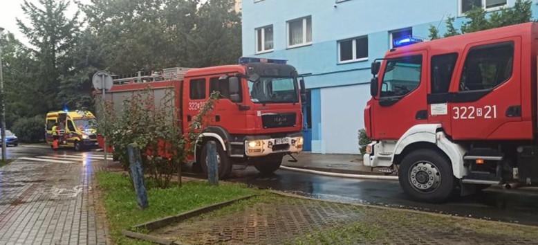 RZESZÓW: Pożar mieszkania. 6 osób w szpitalu (WIDEO, FOTO)