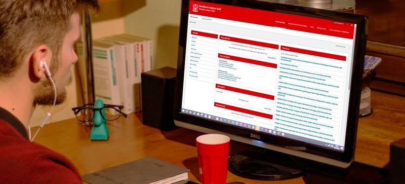 Rzeszowski WSIiZ przeprowadza egzaminy dyplomowe online