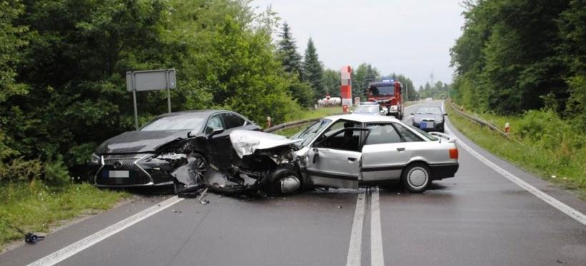 PODKARPACIE. Tragiczny wypadek! Dwie osoby ranne, 70-latka zmarła w szpitalu (FOTO)