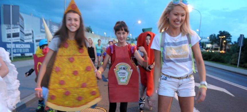 Rolkarze przebrani za jedzenie przejechali ulicami Rzeszowa! (VIDEO, FOTO)