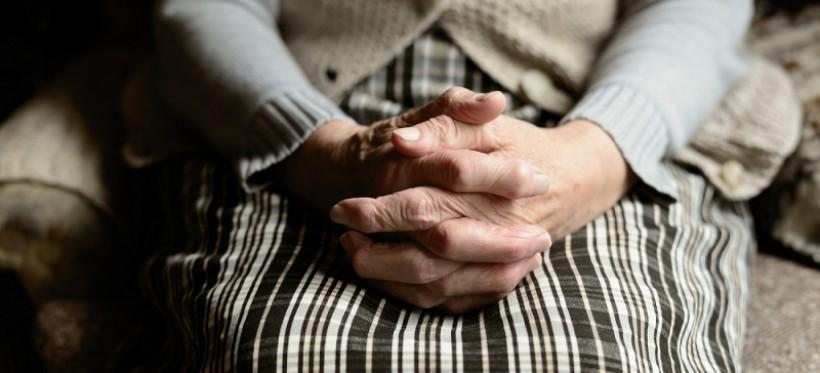 PODKARPACIE. 27-latek znęcał się nad własną babcią. Zakładał jej sznur na szyję i groził śmiercią!