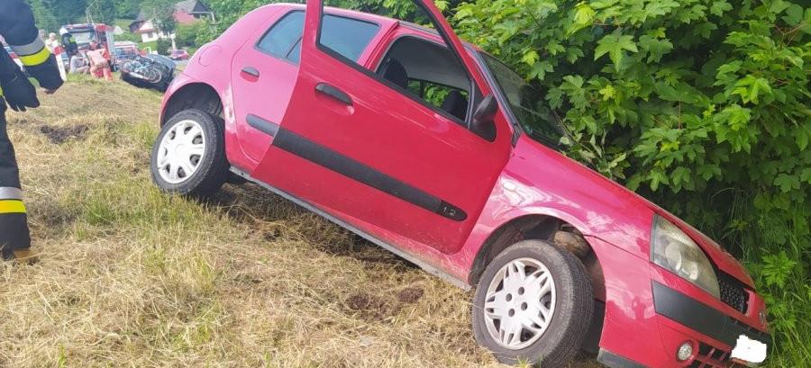 Wypadek. 19-latka zjechała na przeciwny pas. Dzieci w uderzonym samochodzie (ZDJĘCIA)