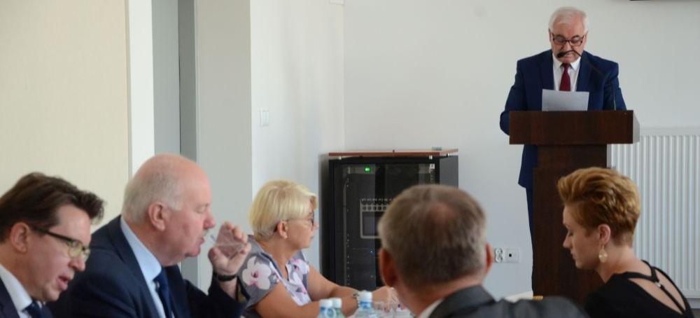 Tak pracował włodarz gminy przez ubiegłe dwa miesiące. Sprawozdanie burmistrza (VIDEO, FOTO)