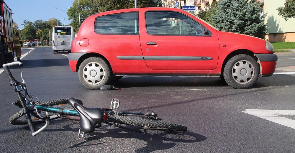 SANOK. Potrącenie rowerzysty na ul. Dmowskiego (ZDJĘCIA)
