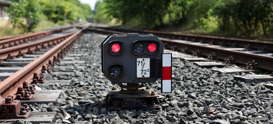 RZESZÓW: Tragedia na torach. Mężczyzna rzucił się pod pociąg