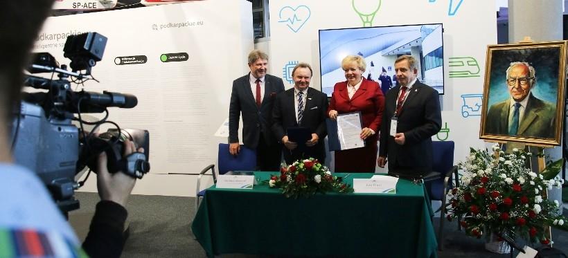 Umowa na budowę Podkarpackiej Linii Aglomeracyjnej Podpisana! (WIDEO)