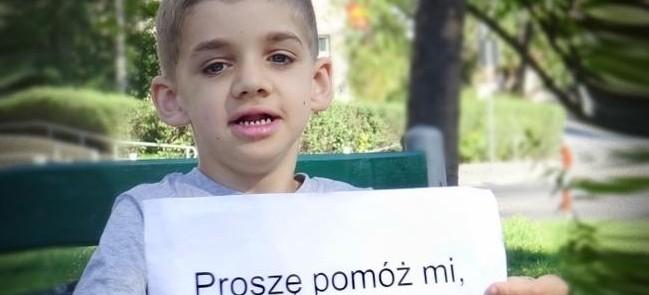 Rodzice apelują o pomoc dla chorego Kubusia – istnieje szansa, że chłopiec zacznie mówić