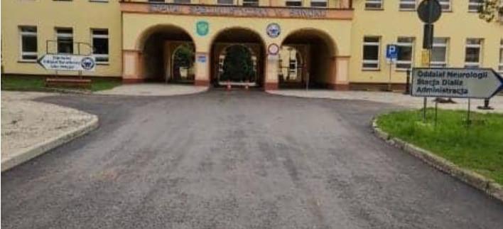 Droga przy szpitalu w Sanoku została wyremontowana (FOTO)