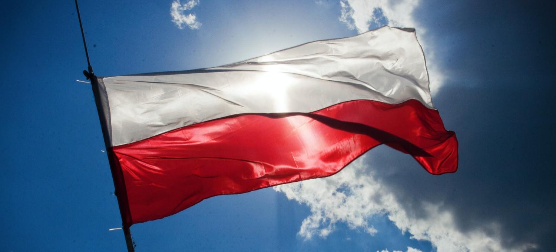 Rządzący chcą zmian w hymnie Polski! Wpadka posła (VIDEO)