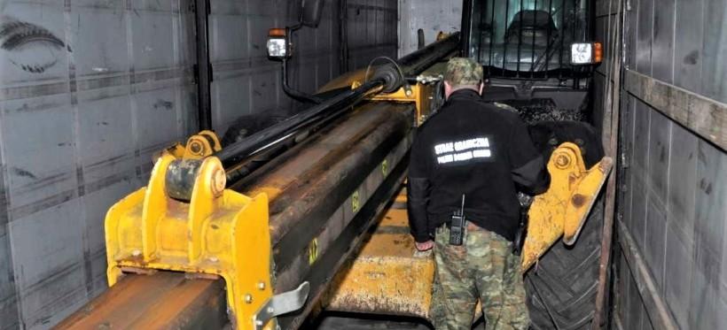 GRANICA: Ukrainiec chciał wywieźć skradzioną maszynę budowlaną!