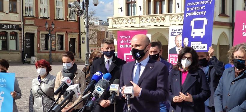Prezydenci Gdańska i Sopotu oraz burmistrz Łańcuta w drużynie Fijołka (VIDEO, FOTO)