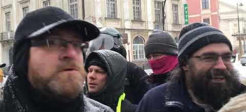Poseł Grzegorz Braun staje w obronie nastolatki zatrzymanej za brak maseczki
