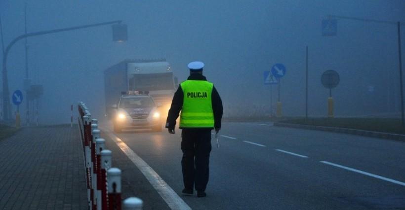Niebezpieczne warunki na drogach! Policja apeluje o ostrożność
