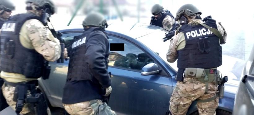 """Akcja CBŚP w Rzeszowie! Zlikwidowano seksbiznes tzw. """"mieszkaniówek"""" (FOTO, WIDEO)"""