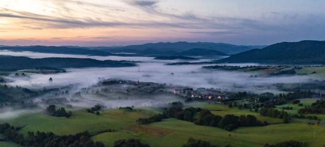 Magiczny poranek! Lutowiska skąpane we mgle (ZDJĘCIA)
