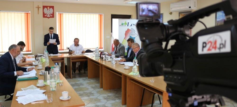 POWIAT LESKI / SESJA: Sprawy budżetowe i skarga na starostę