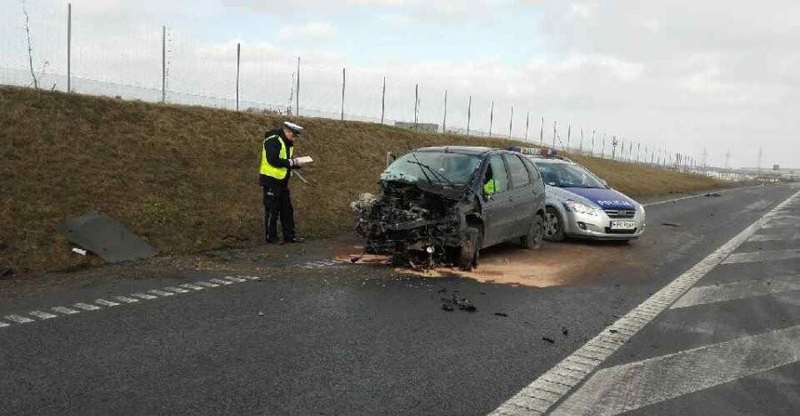 Tragiczny wypadek na S19. Zginęło 2 osoby, ranne dziecko (FOTO)