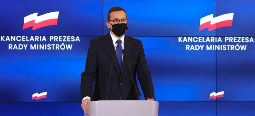 """Premier Morawiecki: """"Udaję się na kwarantannę"""" (WIDEO)"""