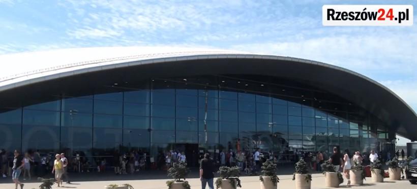 Parking na lotnisku w Jasionce będzie płatny od lipca
