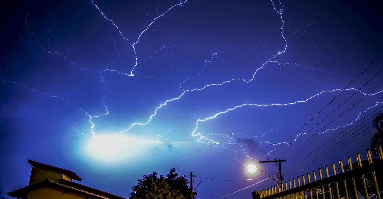 UWAGA! Kolejne ostrzeżenia przed burzami z gradem. Temperatura do 33 stopni C