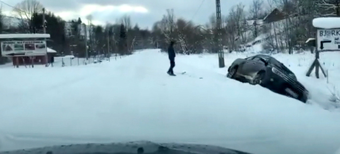 Drogi w Bieszczadach białe, ale przejezdne! (VIDEO)