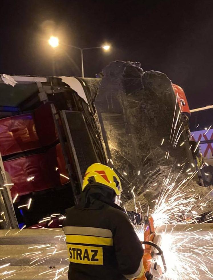 Koszmarny wypadek autokaru pod Przemyślem! Zginęło 6 osób, 51 rannych! (ZDJĘCIA)