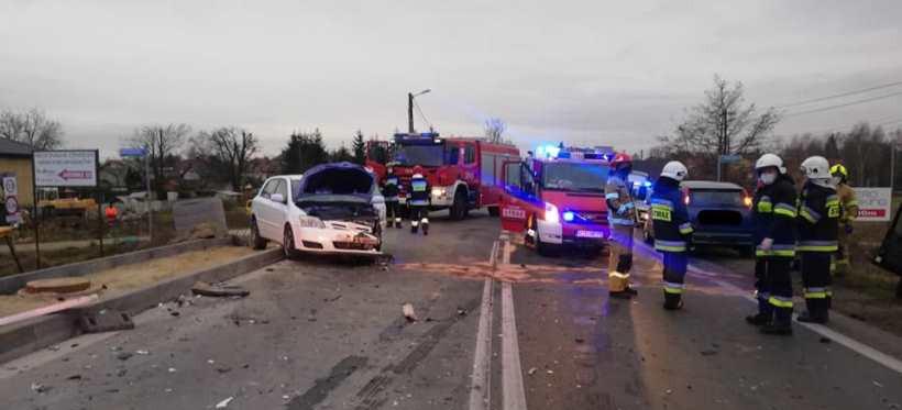 Wypadek w Jasionce! Trzy osoby trafiły do szpitala (ZDJĘCIA)