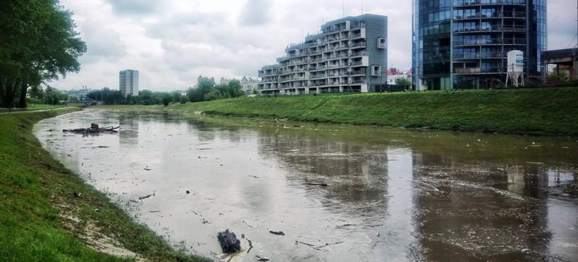 RZESZÓW: Obniża się stan wody na Wisłoku! (SYTUACJA HYDROLOGICZNA)
