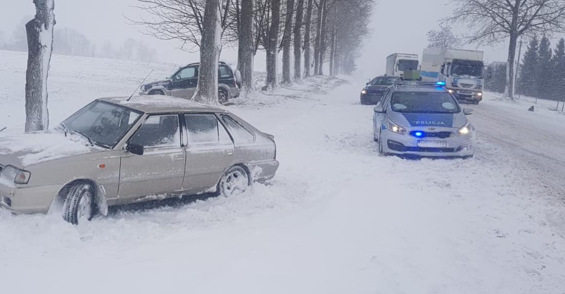 Trudne warunki na bieszczadzkich drogach