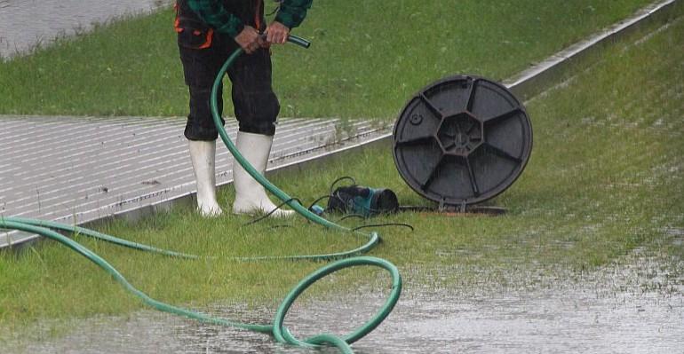 Czy sanocki basen znów został zalany? (ZDJĘCIA)